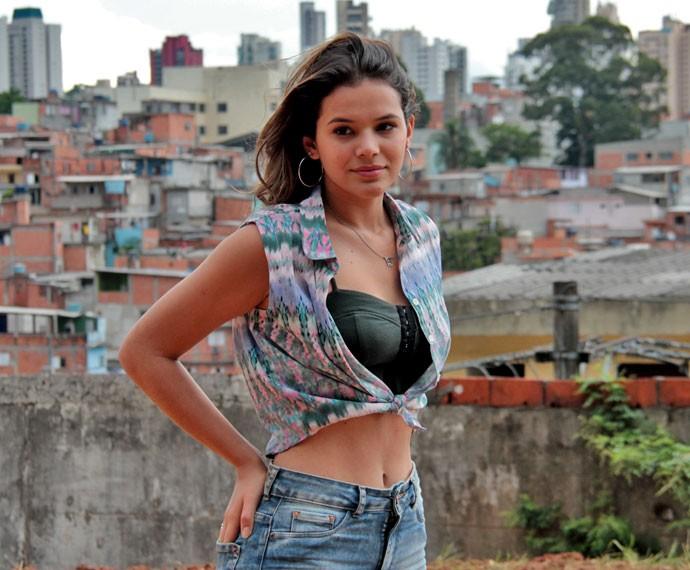 Bruna Marquezine ainda no início das gravações de 'I Love Paraisópolis' (Foto: Globo/Zé Paulo Cardeal)