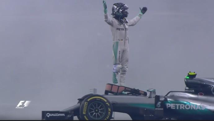 Nico Rsoberg comemora tíulo de 2016 da F1 (Foto: reprodução/vídeo)