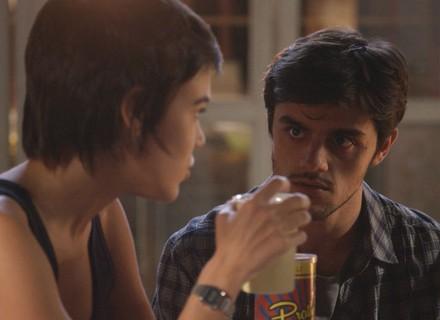 Jonatas chama Eliza de 'minha ruivinha' e deixa Leila bolada