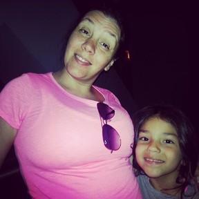 Simony e a filha Pyetra em Oralndo, nos EUA (Foto: Instagram/ Reprodução)