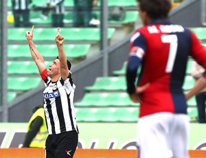 Di Natale comemora gol do Udinese contra o Genoa (Foto: Getty Images)