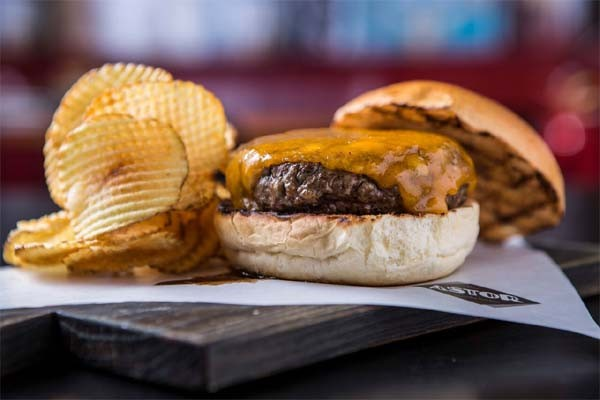 Minetta Burger (R$ 44), do Astor, que participa do Burger Fest (Foto: Divulgação )