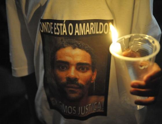 Em protesto, parentes de Amarildo de Souza cobram informações sobre o desaparecimento do pedreiro, que desapareceu após ser levado por policiais da UPP da Rocinha para averiguação (Foto: Fernando Frazão/ABr)