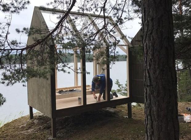 Suécia envia pessoas estressadas para pequenas casas de vidro (Foto: Reprodução)