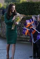 Look do dia: Kate Middleton usa conjuntinho verde para visitar hospital