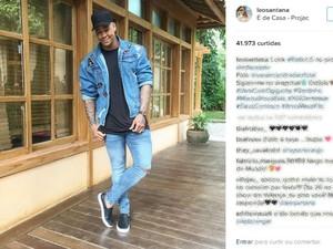 Léo Santana costuma mostrar em redes sociais os looks que usa em shows e eventos (Foto: Reprodução/Instagram)