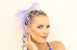 Ju Valcézia mostra como fazer maquiagem e cabelo para o Carnaval