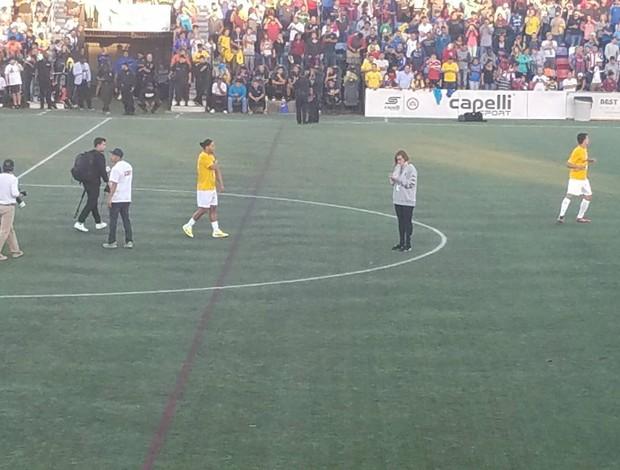 BLOG: Em mais um jogo de exibição, Ronaldinho dá sambadinha após marcar nos EUA