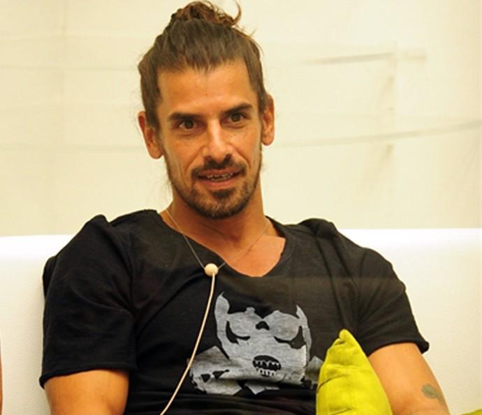 Diferentemente dos estrangeiros das edições de antes, ele era ator (Foto: João Cotta / TV Globo)