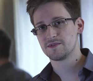 Edward Snowden, ex-agente da CIA, revelou os programas de vigilância secreta do governo norte-americano (Foto: THE GUARDIAN/Glenn Greenwald/Laura Poitras)