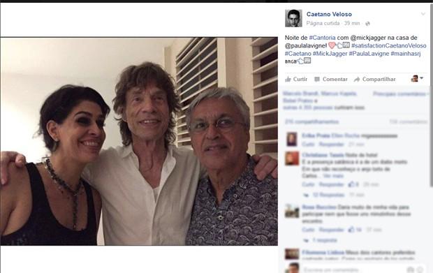 Caetano ao lado de Mick Jagger e a empresária Paula Lavigne (Foto: Reprodução / Facebook)
