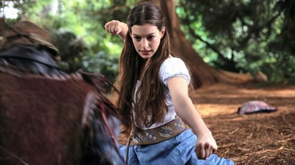 Anne Hathaway é 'Uma Garota Encantada' (Foto: divulgação / reprodução)