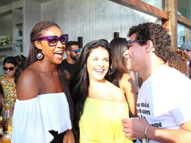 Cris Vianna, Paloma Bernardi e Thiago Martins em festa na Zona Oeste do Rio (Foto: Anderson Borde/ Ag. News)