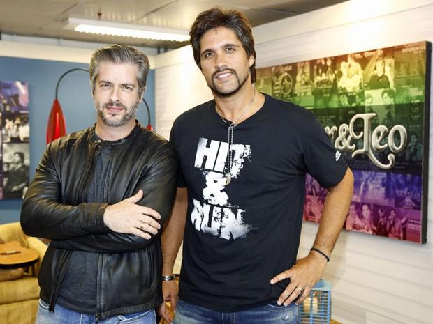 Dupla apresentou o Sai do Chão deste domingo, 11 (Foto: Fábio Rocha/Gshow)