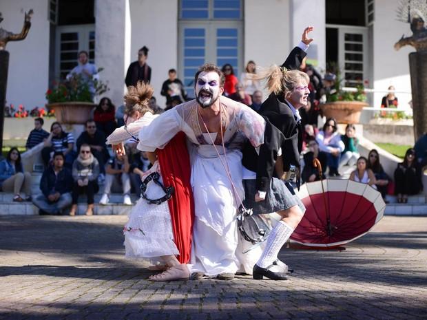 Intervenção 'Loucas de Shakespeare' faz parte da programação (Foto: Daniel Zimmermann/Divulgação)