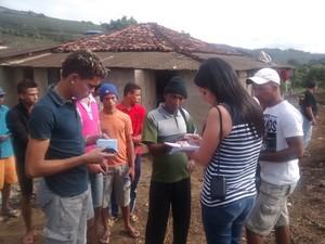 Trabalhadores serão registrados e receberão tudo que têm direto, diz auditor-fiscal. (Foto: Diego Souza/G1)