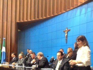 Após a solenidade, deputados escolheram membros da mesa diretora da ALMS (Foto: Graziela Rezende/ G1 MS)