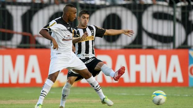 Resende x Botafogo (Foto: Ernesto Carriço / Ag. Estado)