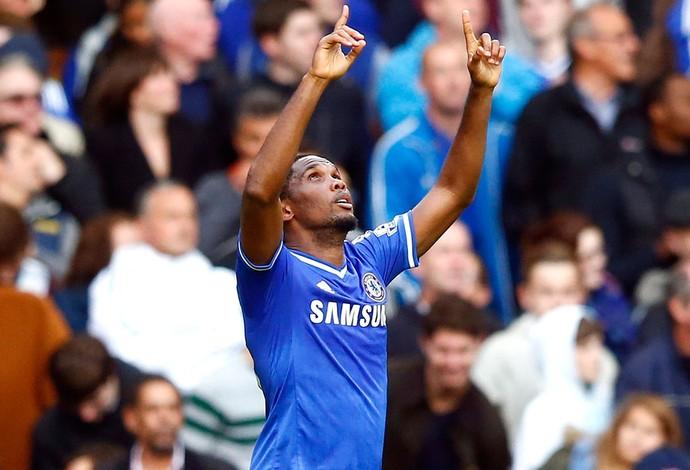 Eto'o comemora gol do Chelsea contra o Cardiff (Foto: Agência Reuters)