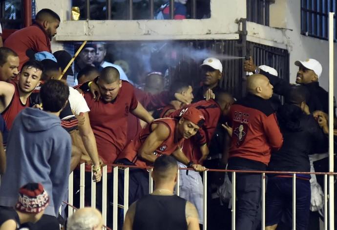 Flamengo x Vasco, basquete, Campeonato Carioca de Basquete (Foto: André Durão)