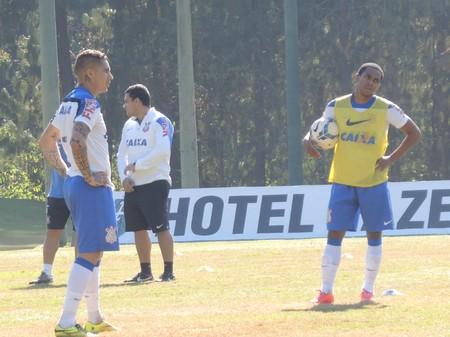 Guerrero Elias Corinthians (Foto: Marcelo Braga)