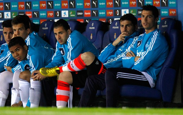 Cristiano Ronaldo Casillas banco Real Madrid (Foto: AFP)