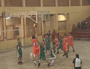 Copa Rio Branco de Basquete no ginásio Álvaro Dantas (Foto: Reprodução/TV Acre)