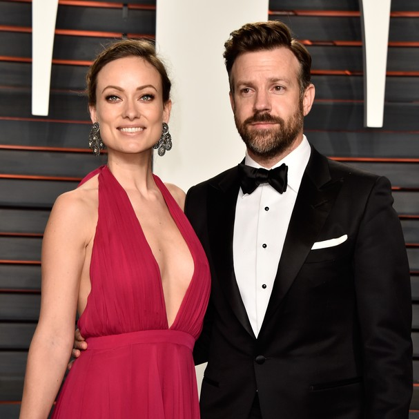 BEVERLY HILLS, CA - FEBRUARY 28:  Actors Olivia Wilde (L) and Jason Sudeikis attend the 2016 Vanity Fair Oscar Party Hosted By Graydon Carter at the Wallis Annenberg Center for the Performing Arts on February 28, 2016 in Beverly Hills, California.  (Photo (Foto: Getty Images)