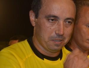 Éder Caxias, árbitro (Foto: Cadu Vieira / GloboEsporte.com)