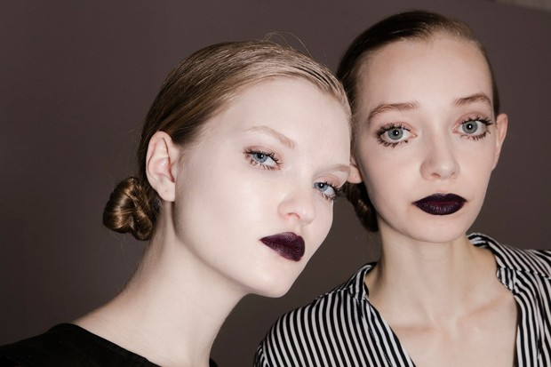 Dior apostou nos lábios quase pretos no desfile dia 04.03 (Foto: ImaxTree)