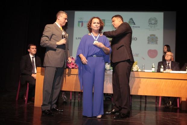 Sonia Nazario e Ronaldo (Foto: Isac Luz / EGO)