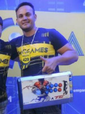 Márcio Neves foi campeão no Street Fighter no TEM Games de SJRP em 2016 (Foto: Diogo Marques/G1)