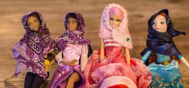 Projeto Hello Hijab vende lenços para bonecas, com renda revertida para comunidades que lutam pela inclusão nos EUA (Foto: Reprodução/Facebook)
