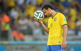 """Fred lembra conselho do pai após a Copa: """"Não olhe para esses babacas"""""""