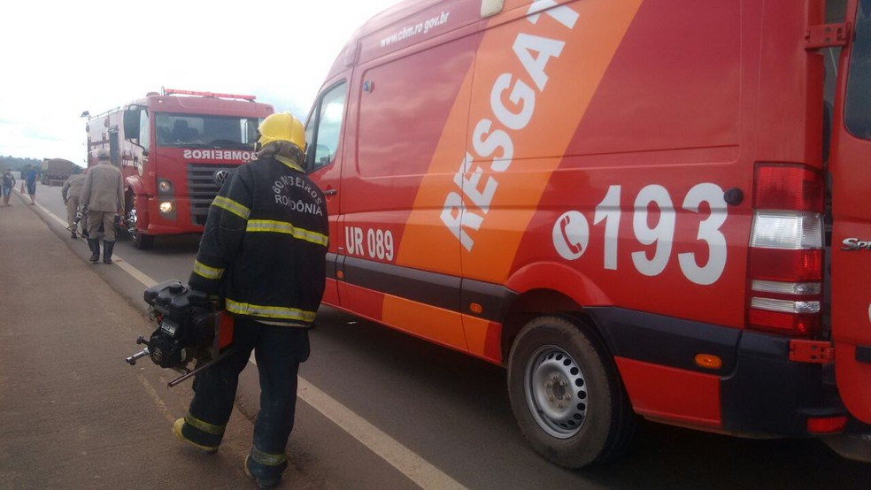 Vítima foi levada para o Hospital Regional de Ariquemes (Foto: Amaral Seixas/Balanço Notícias/Reprodução)