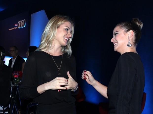 Fiorella Mattheis e Milena Toscano em evento na Zona Sul do Rio (Foto: Alex Palarea/ Ag. News)