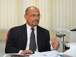 Promotor Carlos Paixão disse que suspeito deve cumprir pena no Amapá (Foto: Bruno Perez/G1 RR)