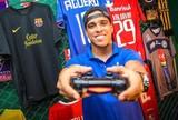 Fãs fazem campanha, mas shopping não libera Wendell para seletiva de Fifa