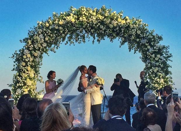 Ana Beatriz Barros e o noivo (Foto: Reprodução/Instagram)