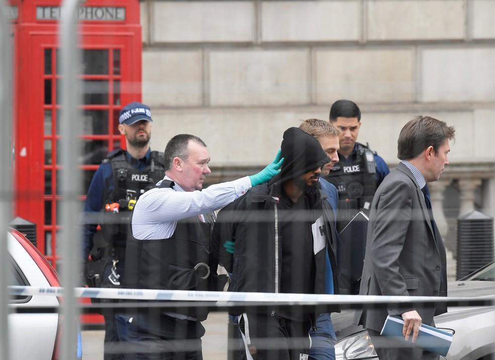 Polícia de Londres detém homem sob suspeita de terrorismo perto do Parlamento britânico (Foto:  REUTERS/Toby Melville)