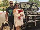 Bella Falconi deixa a maternidade com a filha, Victoria