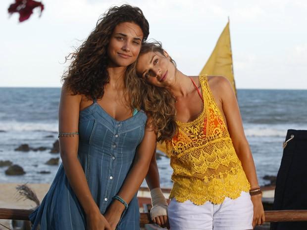 Figurino de Taís e Ester (Foto: Flor do Caribe/ TV Globo)