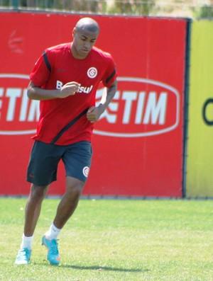 Cassiano, atacante do Inter  (Foto: Diego Guichard/GLOBOESPORTE.COM)