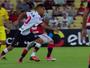 """Fecha as pernas, Cuéllar! Jorginho, do Atlético-GO, dá caneta e é o """"abusado"""""""