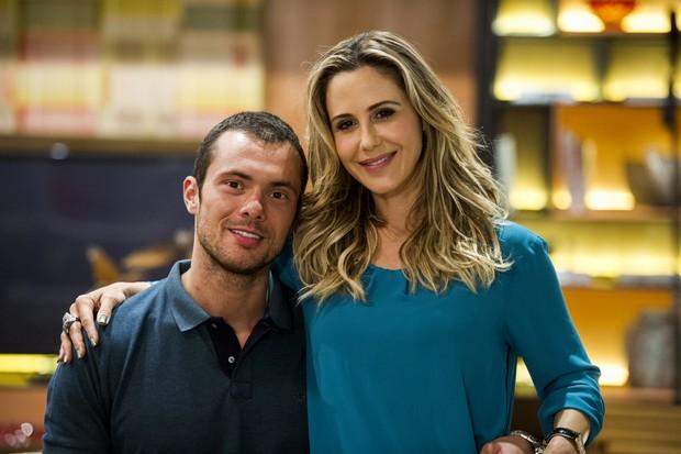Adriano Toloza em cena com Guilhermina Guinle na novela Verdades Secretas (Foto: Globo/Estevam Avellar)