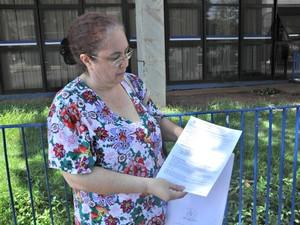 Artesão foi buscar benefício para a irmã tetraplégica (Foto: Graziela Rezende/G1 MS)
