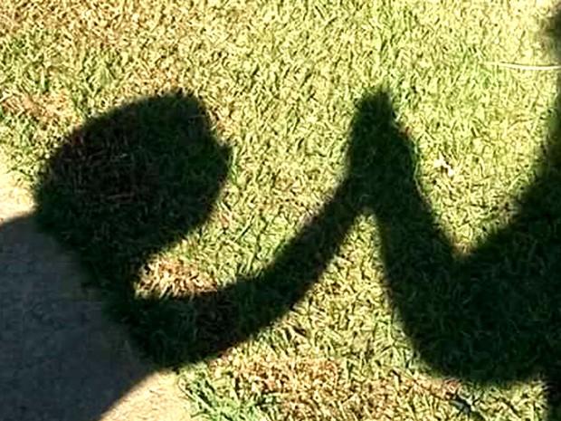 Filho e mãe adotiva constroem relação diariamente, apesar de barreiras como a deficiência, em Campinas (Foto: Adriana Natali / Arquivo pessoal)