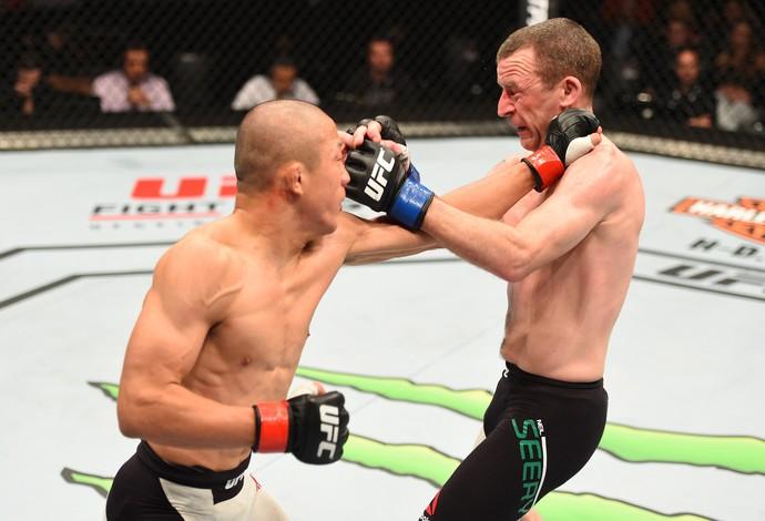 Kyoji Horigushi Neil Seery UFC Holanda (Foto: Getty Images)