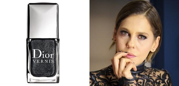 Bárbara Paz usa o maravilhoso Black Sequins da Dior. Pena que o vidrinho custa R$ 77 =( (Foto: TV Globo/Divulgação)