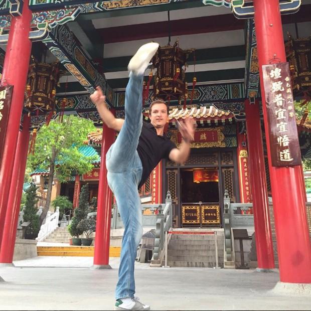 Paulo Nigro em templo budista de Hongkong (Foto: Reprodução/Instagram)